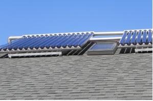 7 지붕 위의 진공 태양열 집열기.jpg